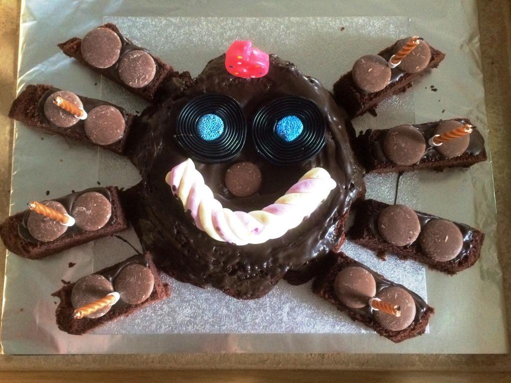 My Boys Club Easy homemade kids birthday cakes recipe and