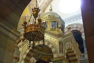 Interior de la Catedral Santa María la Mayor, Marsella.