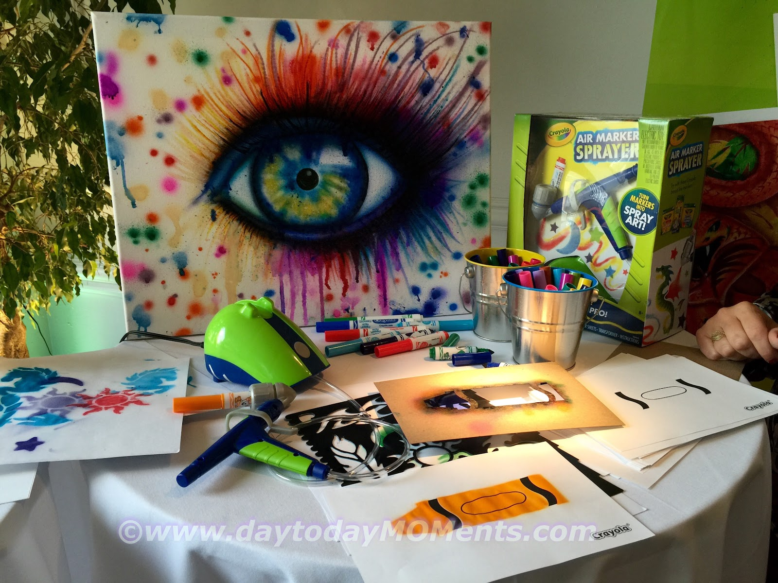 Day To Day Moments Airbrush Like A Pro With The Crayola Air