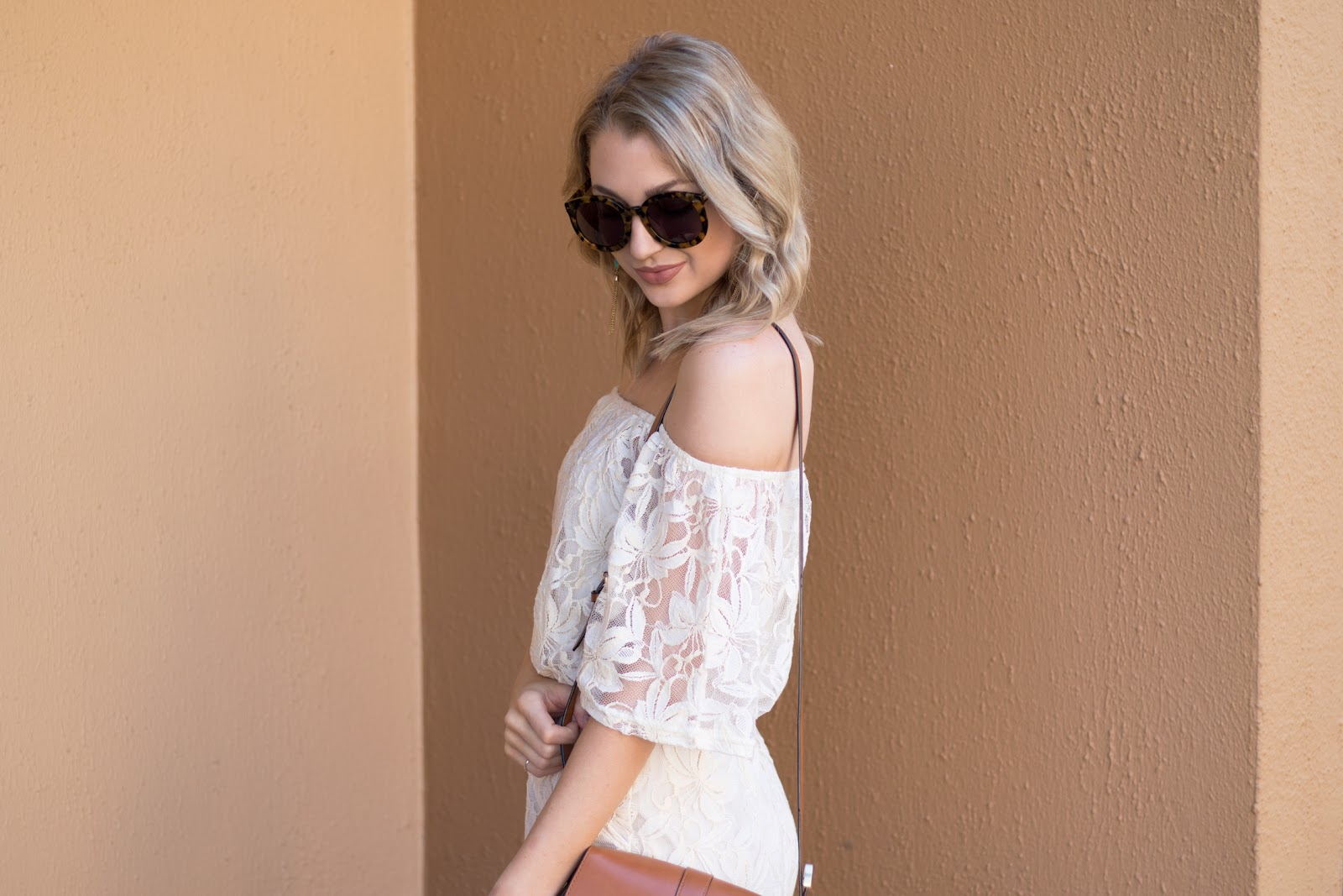 Lace off-the-shoulder