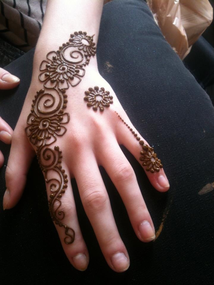 desi-simple-mehndi-design