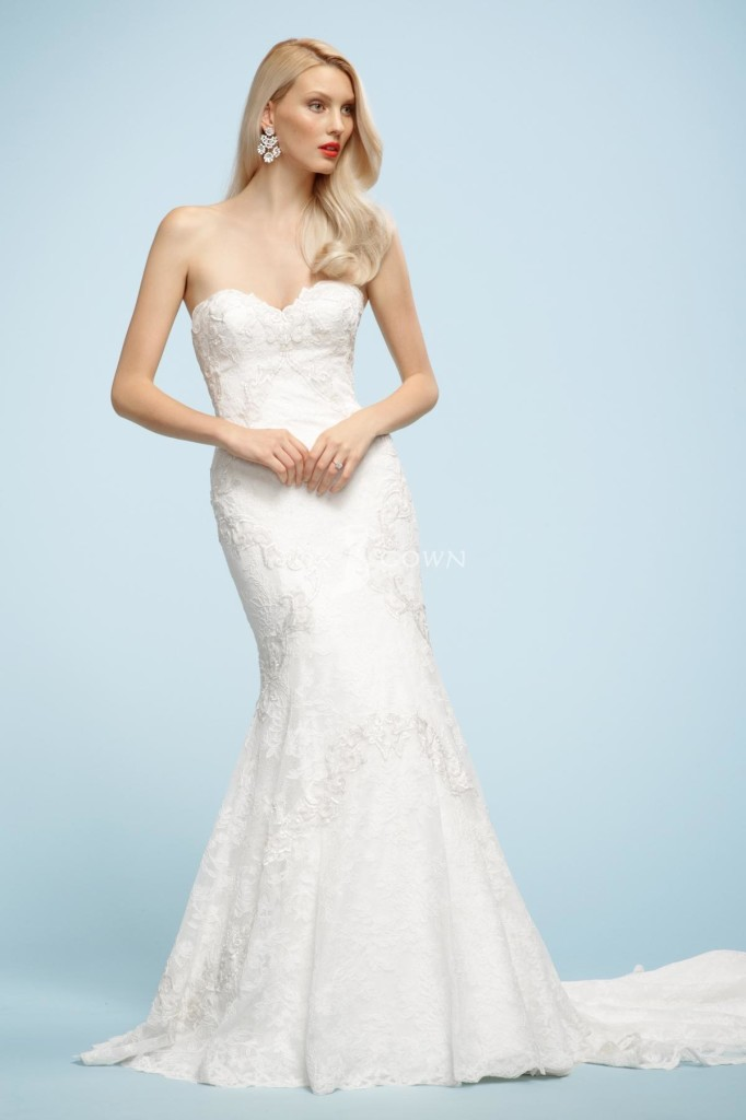 Strapless wedding dresses with bling to inspire you for Strapless wedding dresses with bling