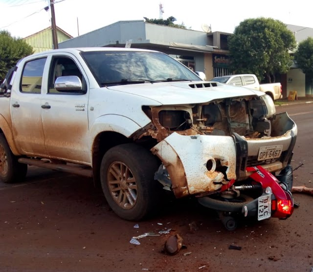 Acidente entre Biz e caminhonete em Nova Cantu