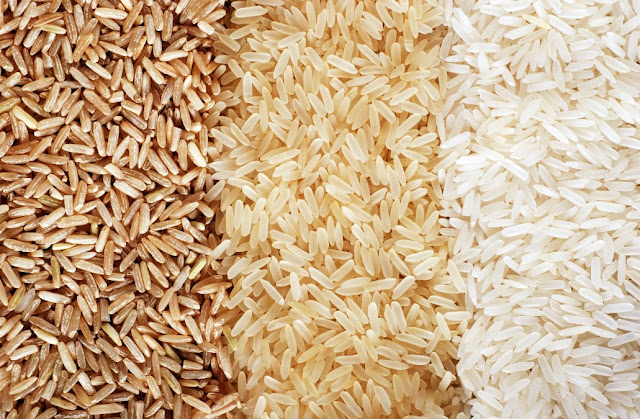 fake rice, asli aur nakli chaval, chinese rice, rice import to india from china, kaise pehchanein chaval asli hain ya nakli, chaval pakate samay, harmful rice, plastic rice, rice made from plastic