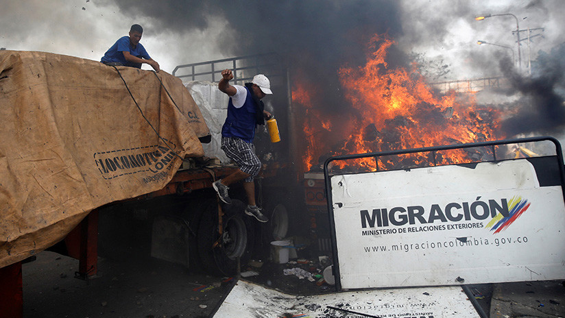 """¿Otro """"falso positivo"""" la quema de camión con """"ayuda humanitaria"""" en Colombia? (FOTOS/VIDEOS)"""