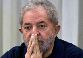 Depois de interceptações, Lula fala pouco ao telefone
