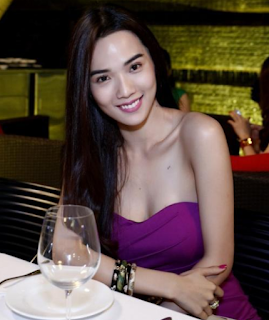 Gái xinh facebook người mẫu kim cương