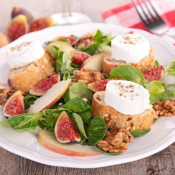 Salade de figues aux toasts de chèvre