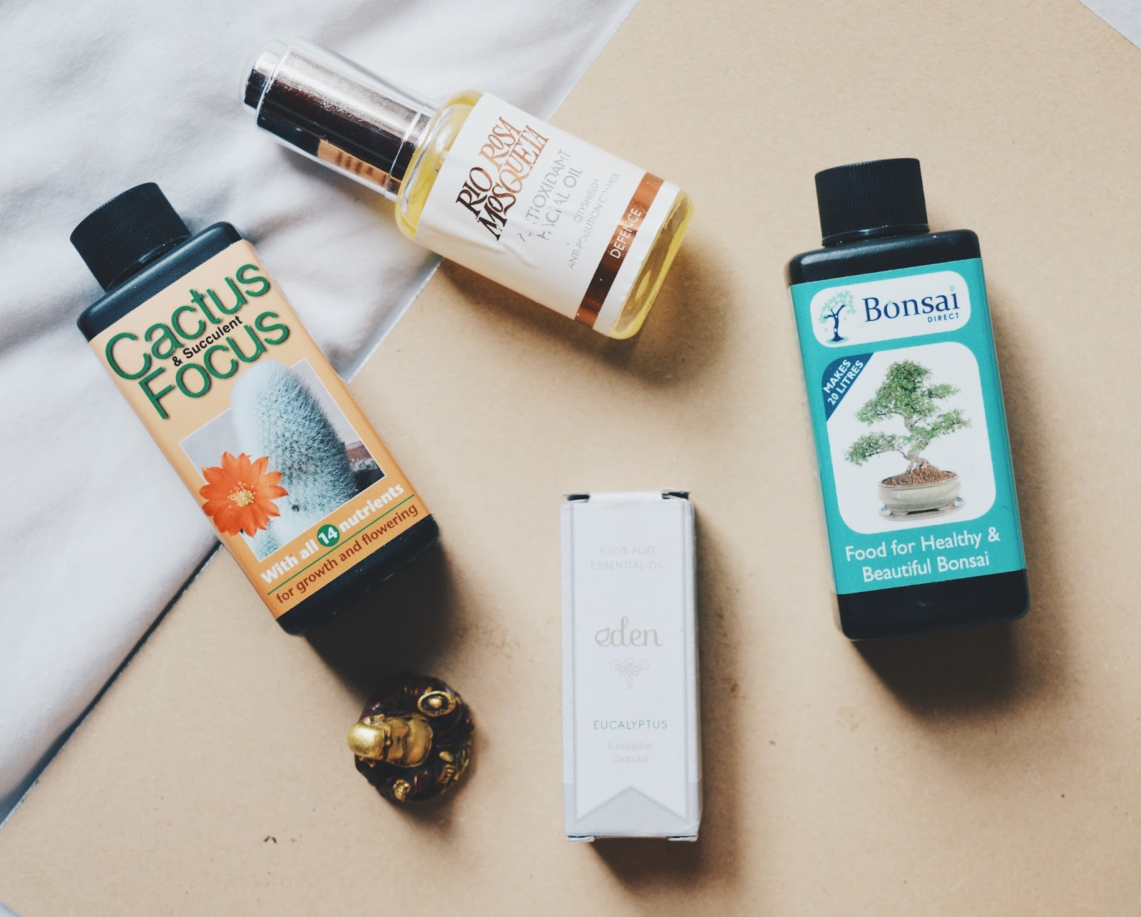 facial oil flatlay