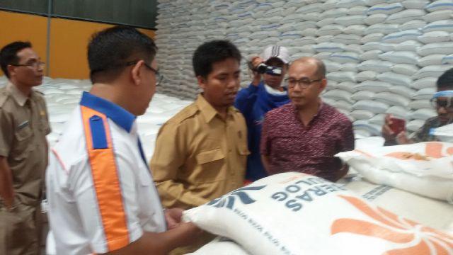 Komisi II DPRD Lotim Temukan Beras Tak Layak di Gudang Bulog