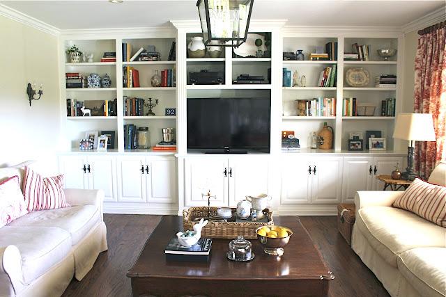 family-room-built-ins-maison-de-cinq-before