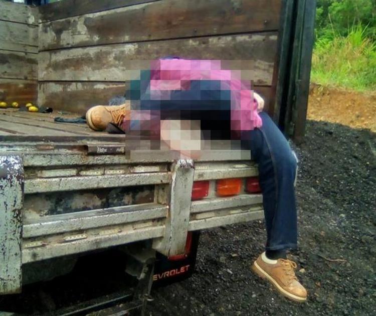 Fotos, Sicarios atracan y ejecutan a familia en los limites de Tabasco