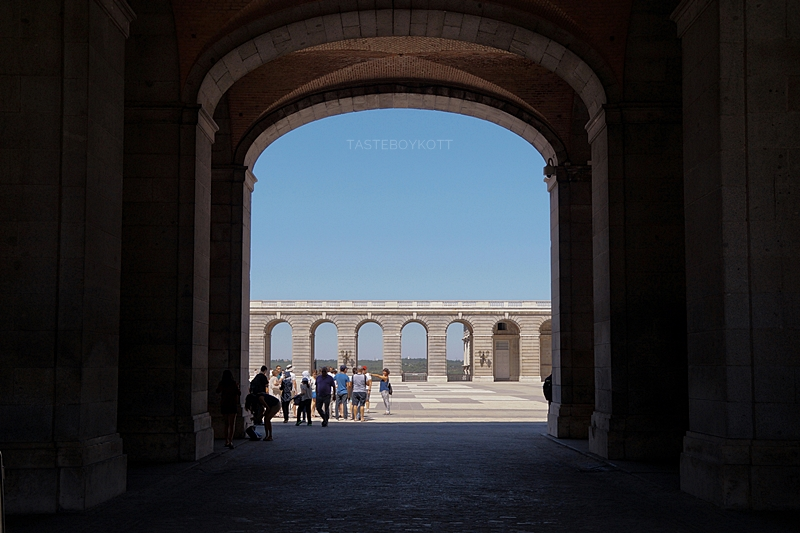 Blick in den Innenhof des Königspalasts Madrid // Royal Palace Madrid