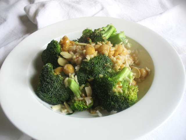 Broccoli Chickpea Salad with Rice