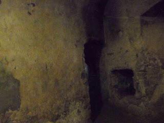 Замок Сент-Міклош. Середньовічні мури