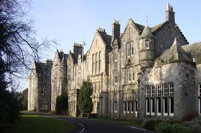 University of St Andrews 2018/2019 Undergraduate Scholarships for International Students