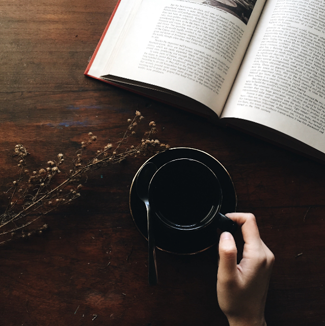 reading-list-book-coffee-aga-putra-photography-unsplash