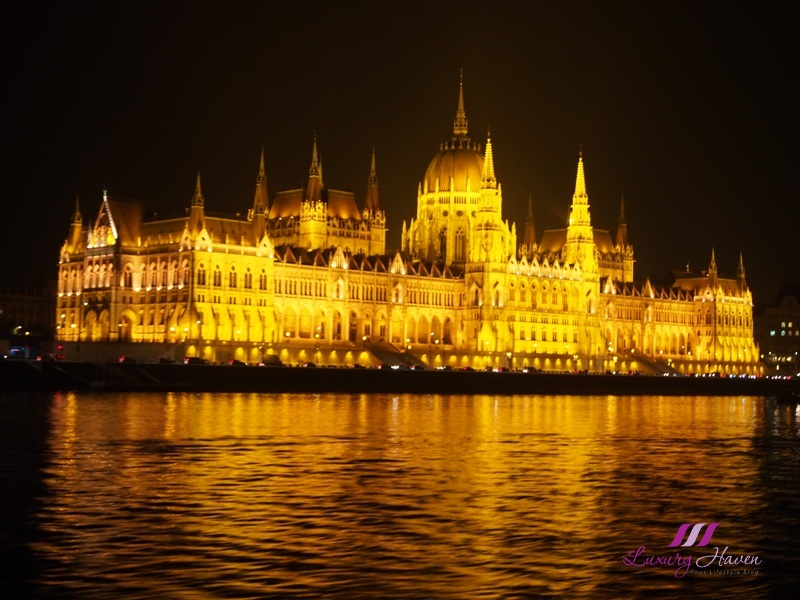 budapest danube river cruise hungarian parliament