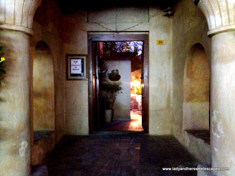 Arabian Tea House The Enchanting Cafe At Old Dubai Lady