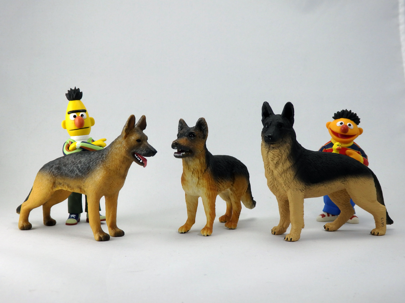 387260 Berger Allemand-Mojo Animal Planet dog figure