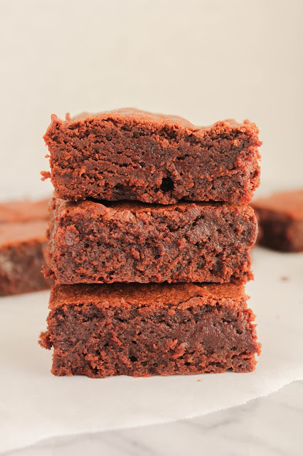 Spicy Fudge Brownies | The Chef Next Door #SundaySupper