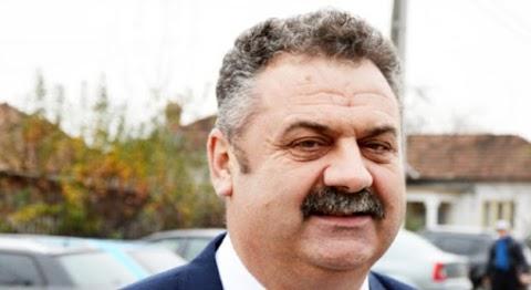Korrupciellens képzésről lopott a polgármester