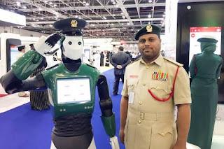 Dubai'de robot polisler göreve başlıyor