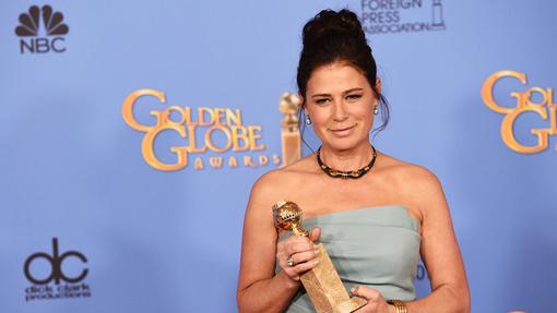 Maura Tierney en los Golden Globes 2016