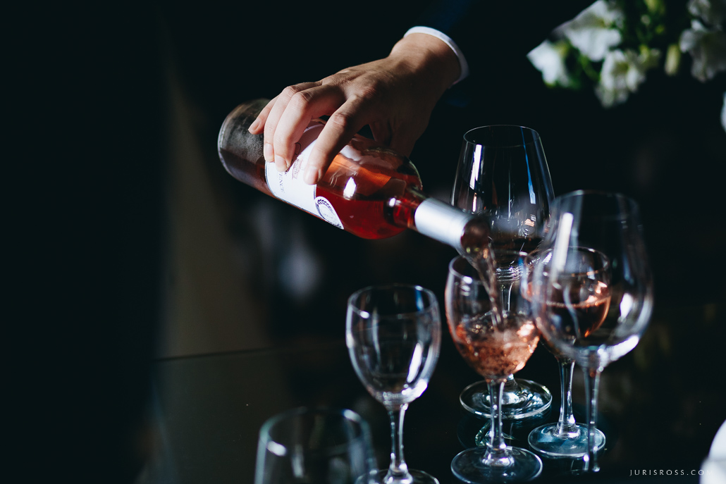 vīns kāzās