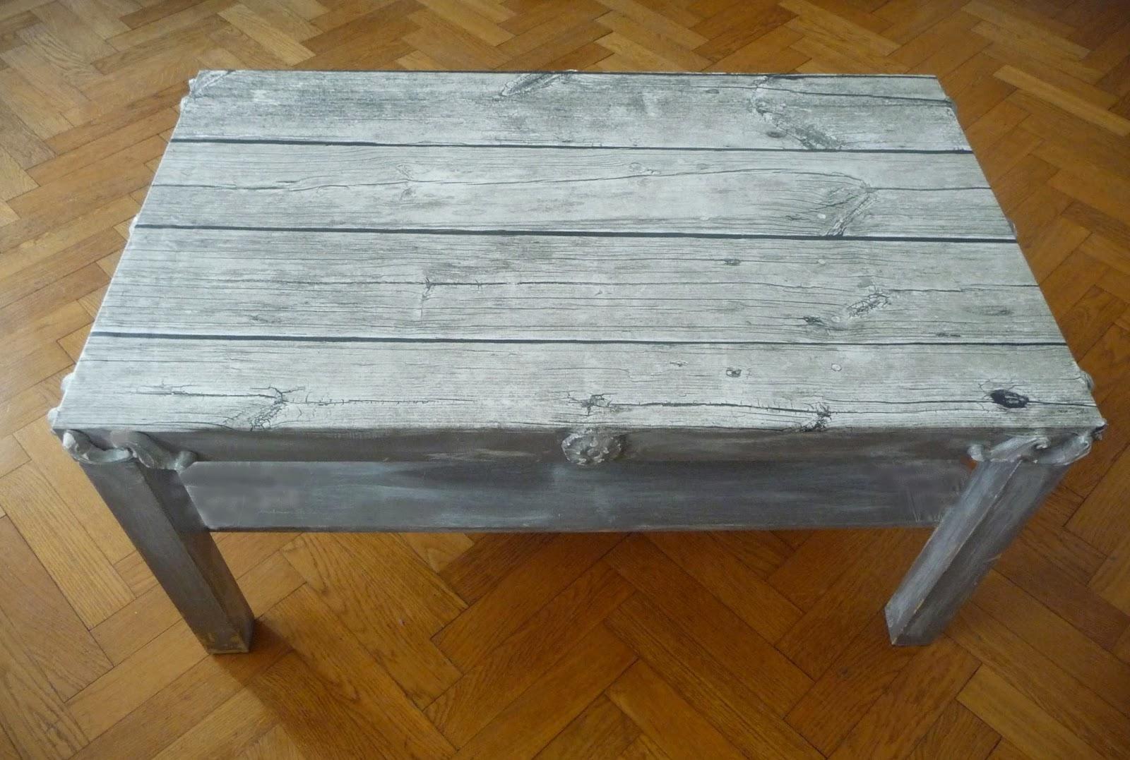 table basse fabrication maison meuble en bois de palette table basse meubles et rangements par. Black Bedroom Furniture Sets. Home Design Ideas