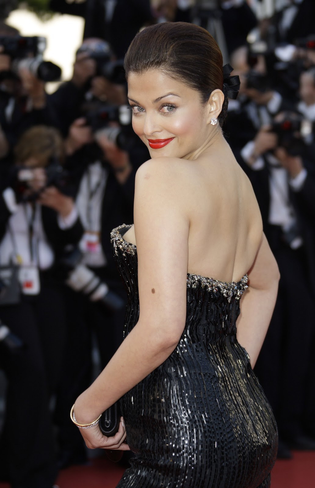 Aishwarya Rai Hottest Hd Photos Ever In Black Dress At The