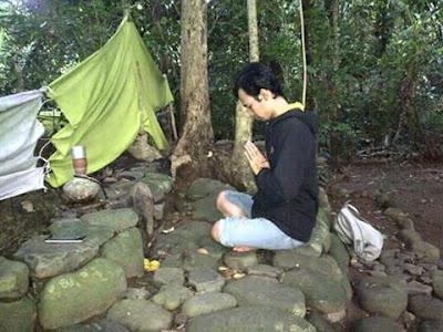 Situs Prabu Darma Purbawisesa Gunung Paniis Darmaraja Sumedang