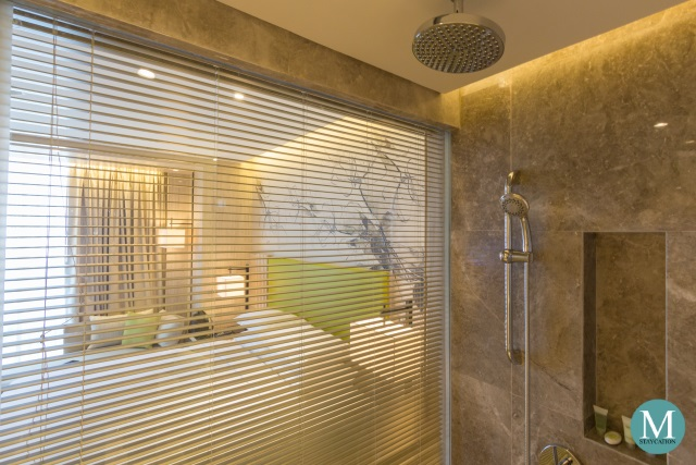 Bathroom of the Deluxe Room at Courtyard by Marriott Iloilo