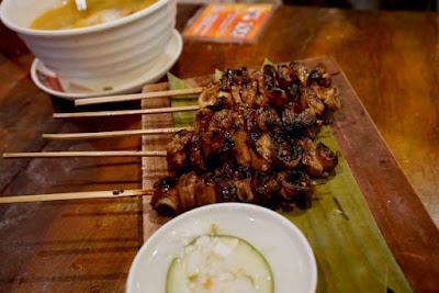 isaw, isaw babol, tol!, offal, pork intestines, Mang Larry's Isawan, UP Diliman, Kalayaan Residence Hall, Kalami Cebu, Carlo Andrew Olano, Cebu Food Blogger