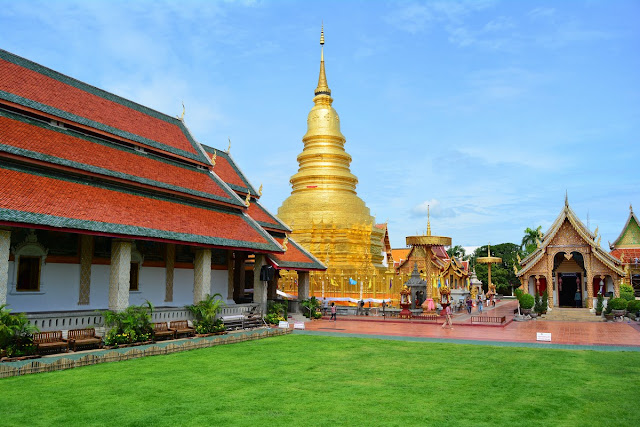 chedi Wat Phrathat Hariphunchai