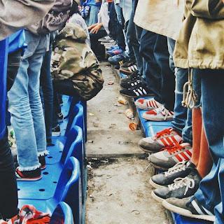 Sepatu Suporter Bola