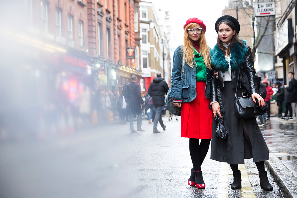 porady stylisty, beret, jesienne must have, must have, trendy, modne trendy, modne akcesoria, jak nosić, kaszkiet, street style, jesienne trendy, jesienne inspiracje, jesienny styl,