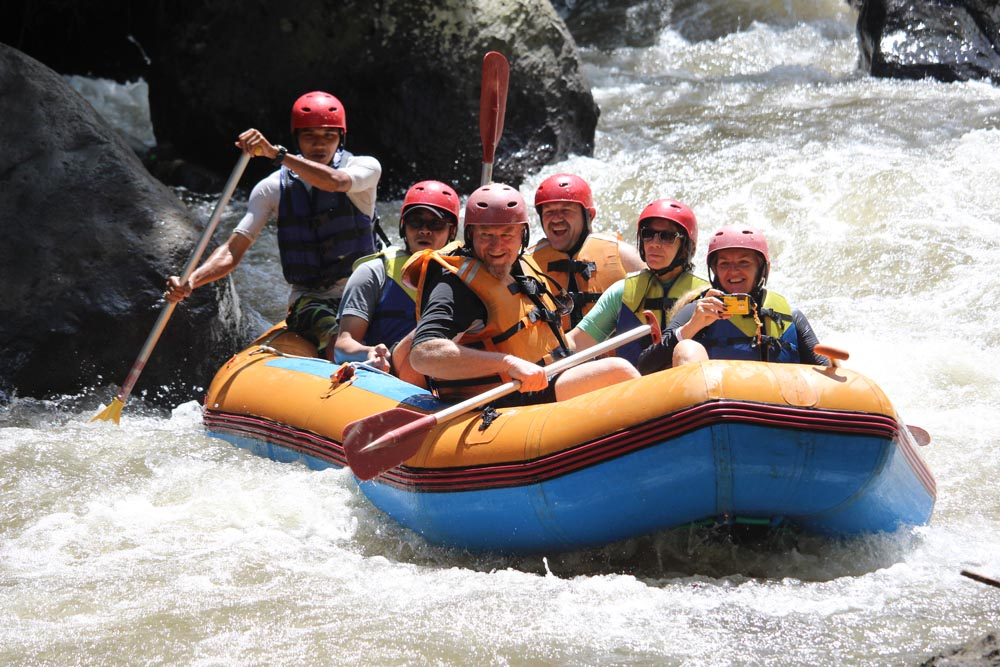 Recommended Shoes For White Water Rafting