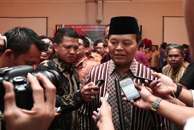 PKS Tidak Setuju Dana Haji di Pakai Buat Proyek Insfrastruktur, Kenapa Tidak Pakai Dana Pajak ??