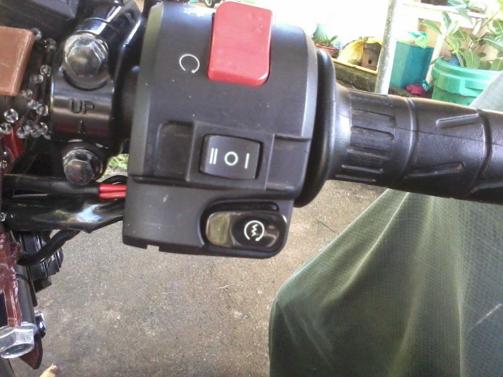 check the connection by turning your switch on to the right, to the center  and to the left  you will see the kawasaki fury 125r headlight lamp and fog  light