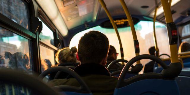 Bus transporte público