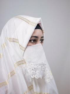 Akhlak Wanita Muslimah