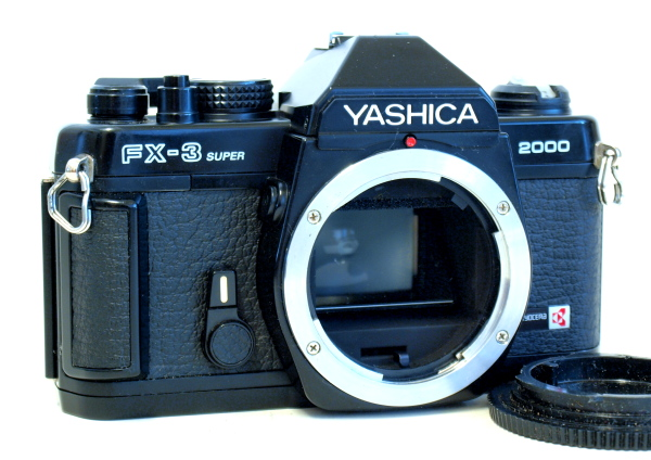 Yashica FX-3 Super 2000, Front