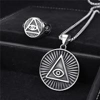 Anillo y colgante del Ojo que todo lo ve. Illuminati