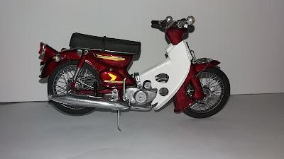 ast miniatur motor bebek honda cub klasik kuno koleksi mainan hobi pajangan