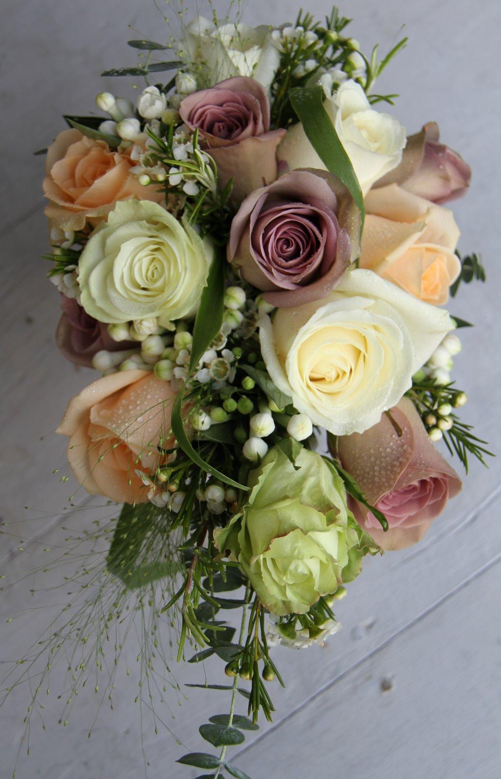 The Flower Magician: Simple Rose Bridal Bouquet