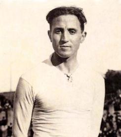 Santiago Bernabéu, Goleador y entrega