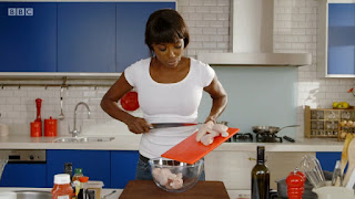 Lorraine's Fast, Fresh and Easy Food ep.1 Baking it