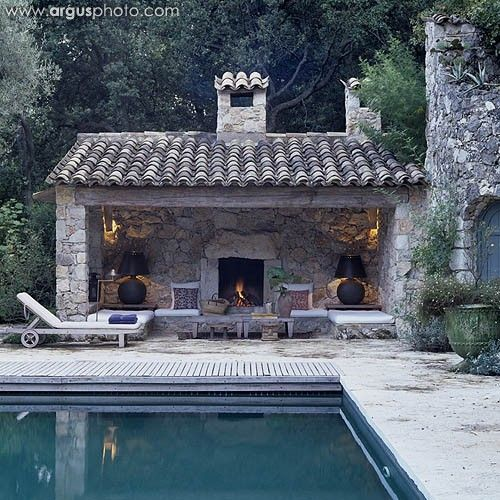 Peonies and orange blossoms designing a pool house - Pool house provencal ...