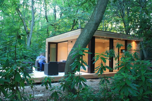 дом с деревянной террассой